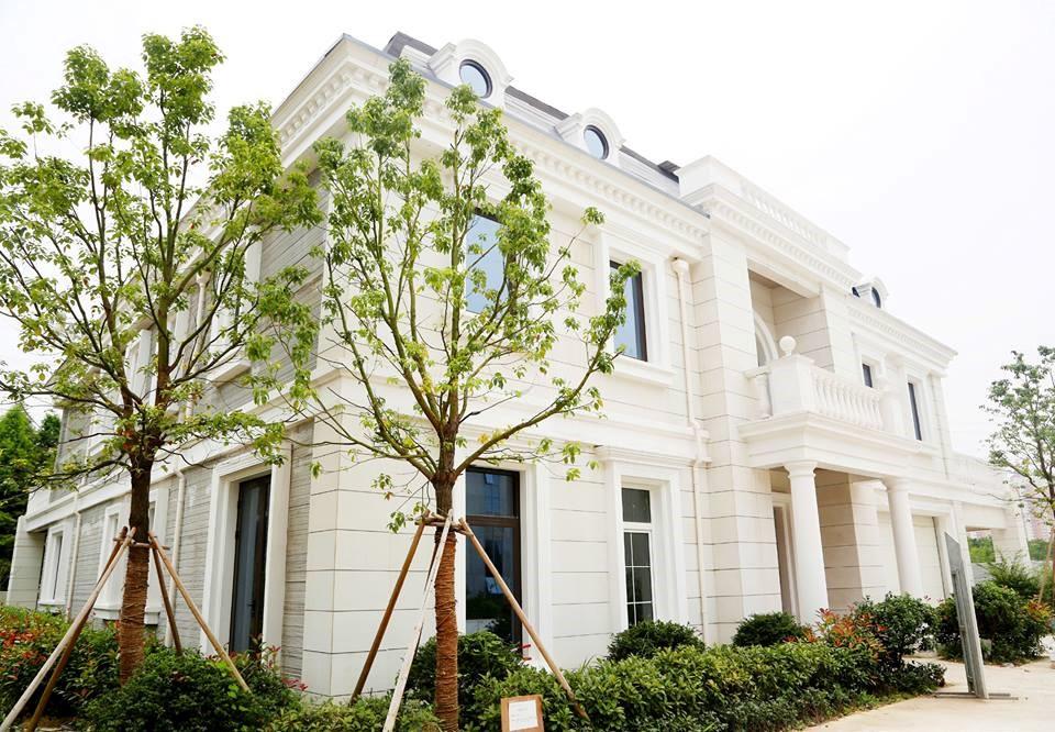 Una mansión de estilo neoclásico