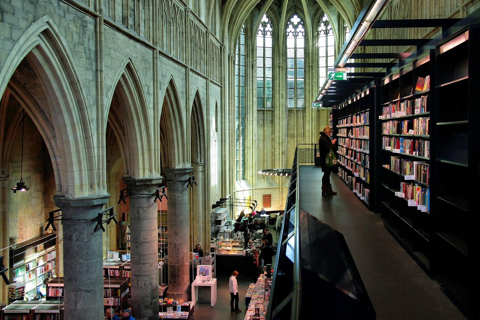Una librería enclavada en una iglesia del siglo XIII