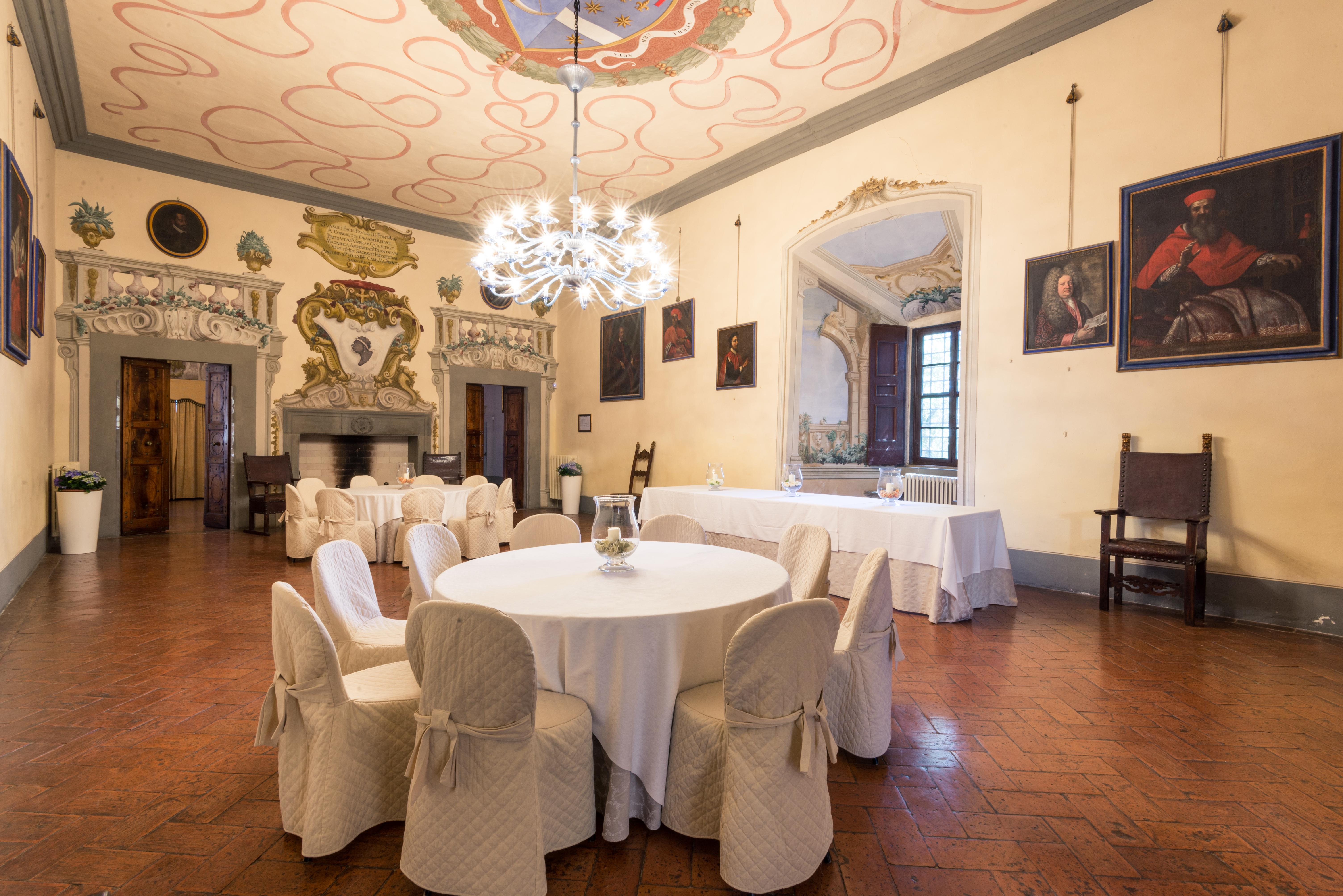 Según el erudito Massimo Ricci fue diseñado por Brunelleschi / Lionard Luxury real estate