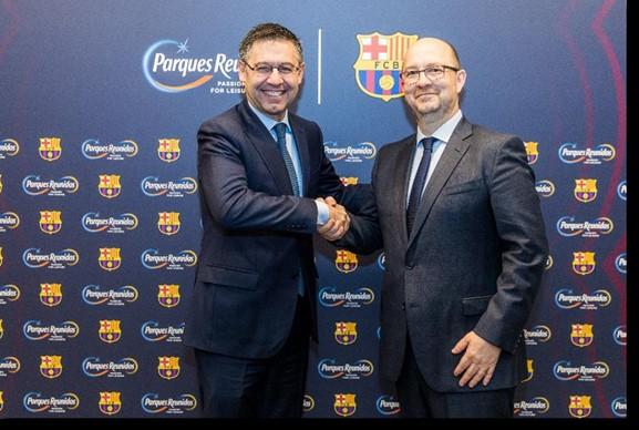 El presidente del Barça, Josep Mª Bartomeu, con el consejero delegado de Parques Reunidos, Fernando Eiroa / Parques Reunidos