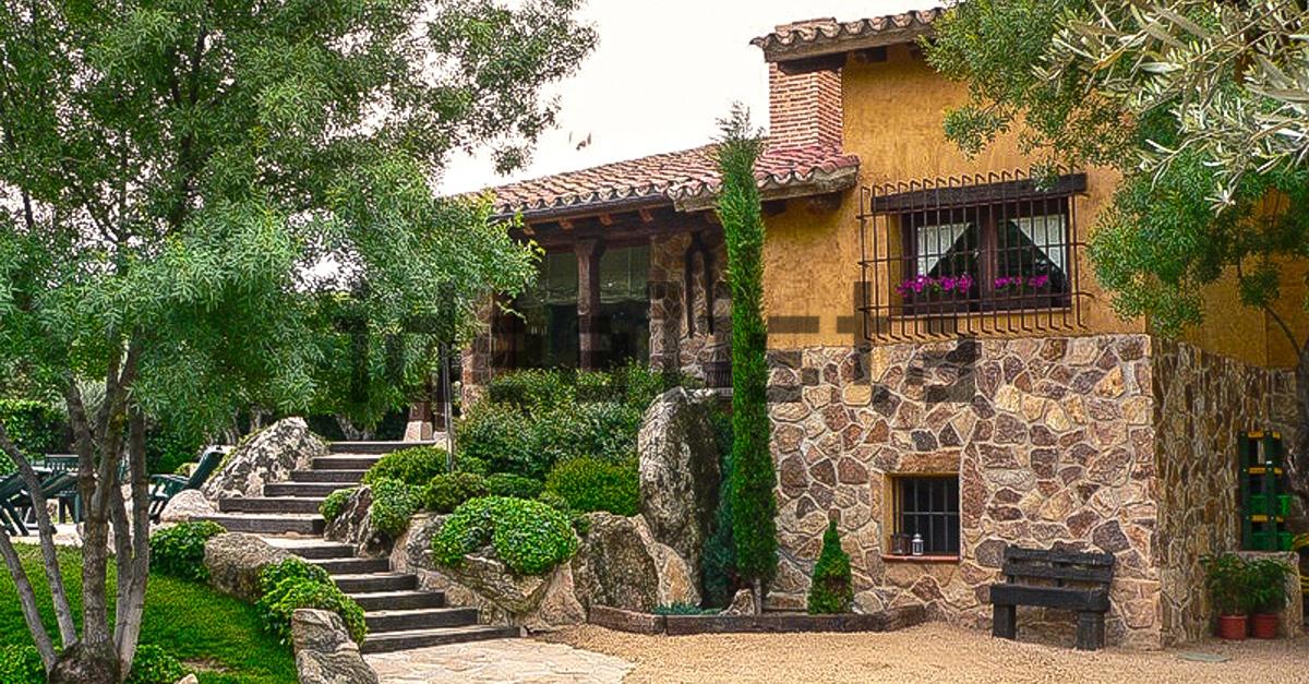 Escaleras al jardín