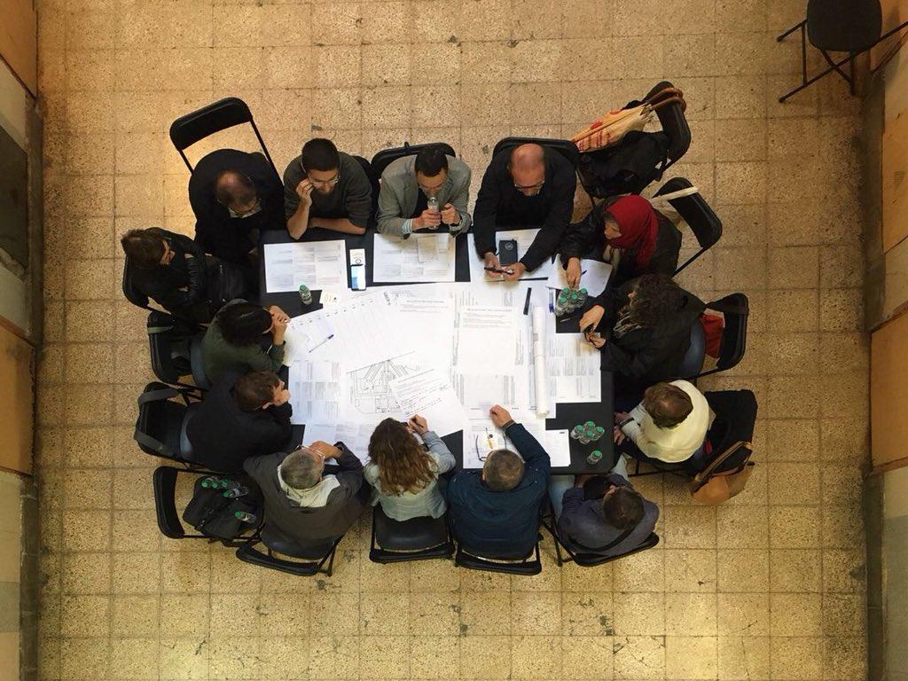 El Ayuntamiento ha tenido una primera reunión con vecinos y entidades para  el Plan Urbanístico de La Modelo / Ajuntament de Barcelona