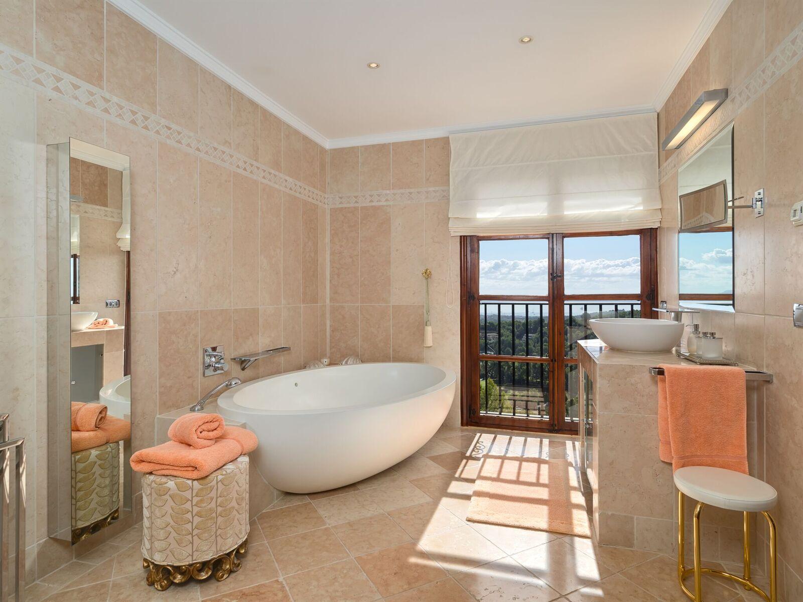 Destaca la bañera de diseño