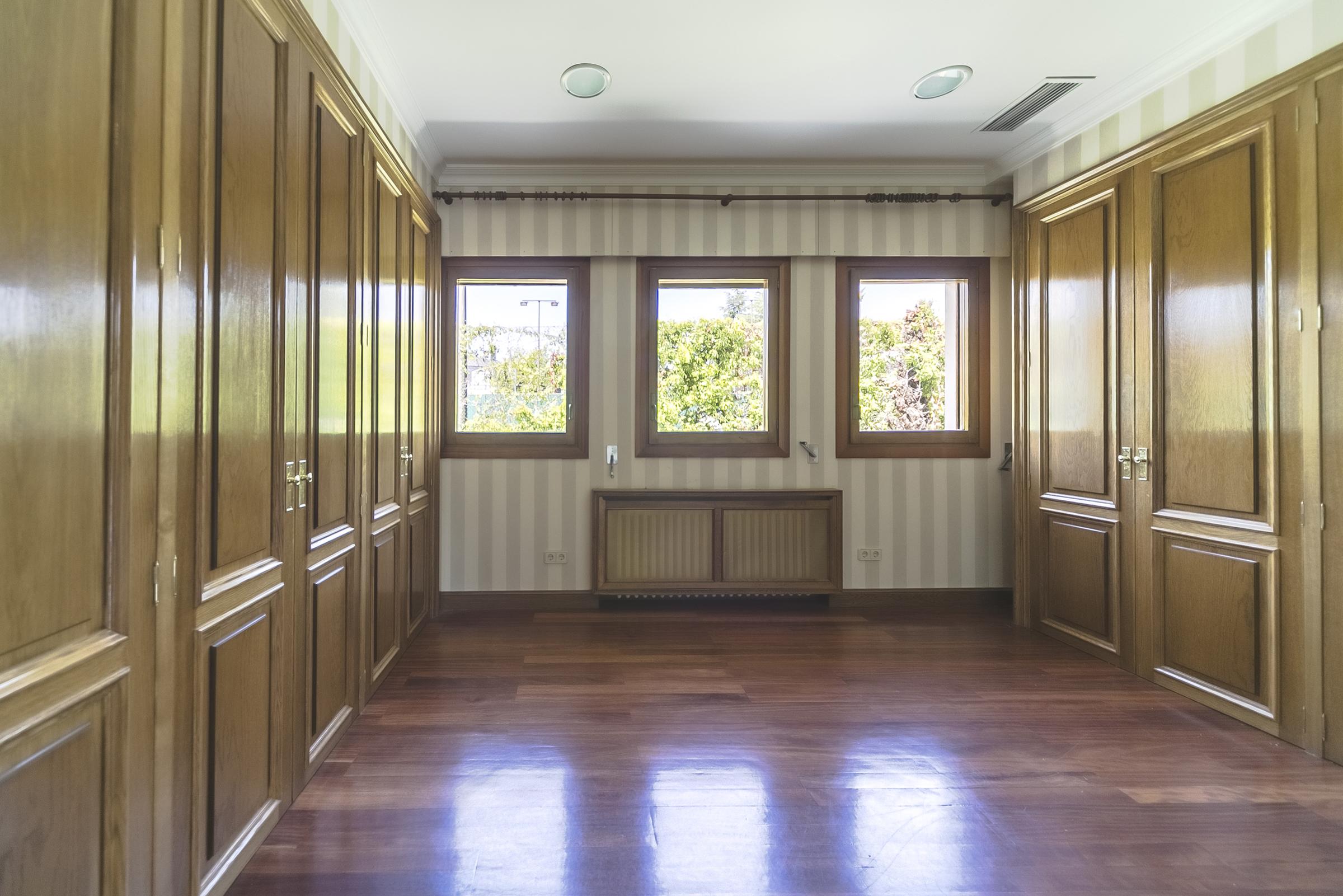 8 dormitorios