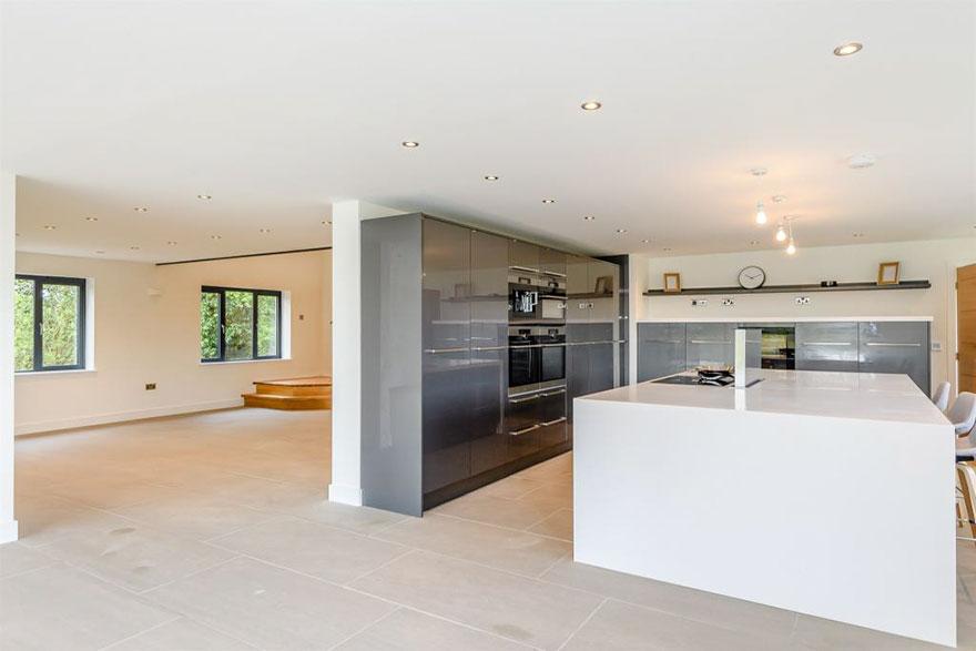 Casi 400 m2 de hogar