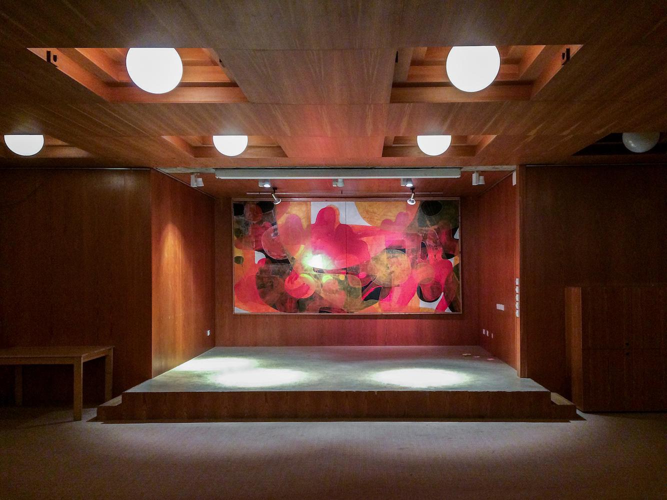 Altar / Denis Esakov