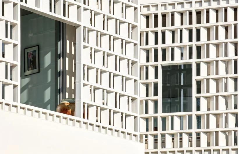 Detalle de la fachada / José Hevia
