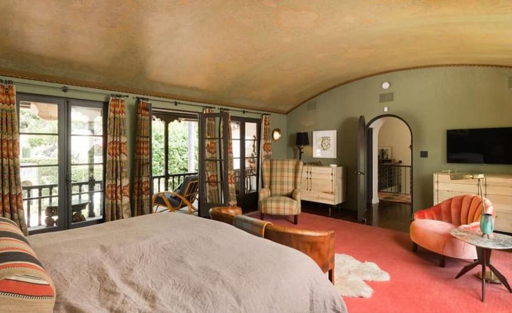 La suite ofrece vistas panorámicas de la propiedad