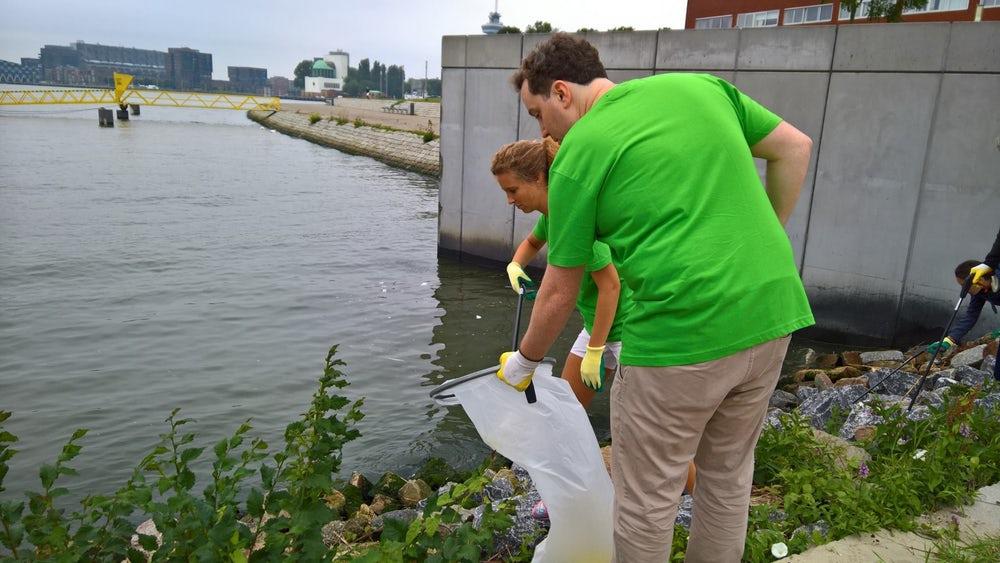 El plástico recolectado se envía a la Universidad de Wageningen