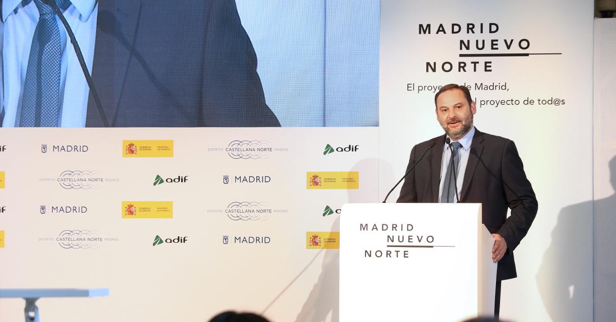 El ministro de Fomento, José Luis Ábalos, en la presentación del proyecto