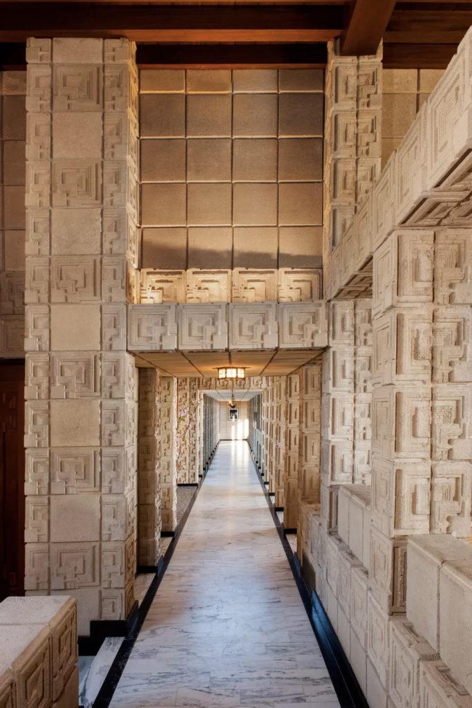 27.000 bloques de cemento ornamentado
