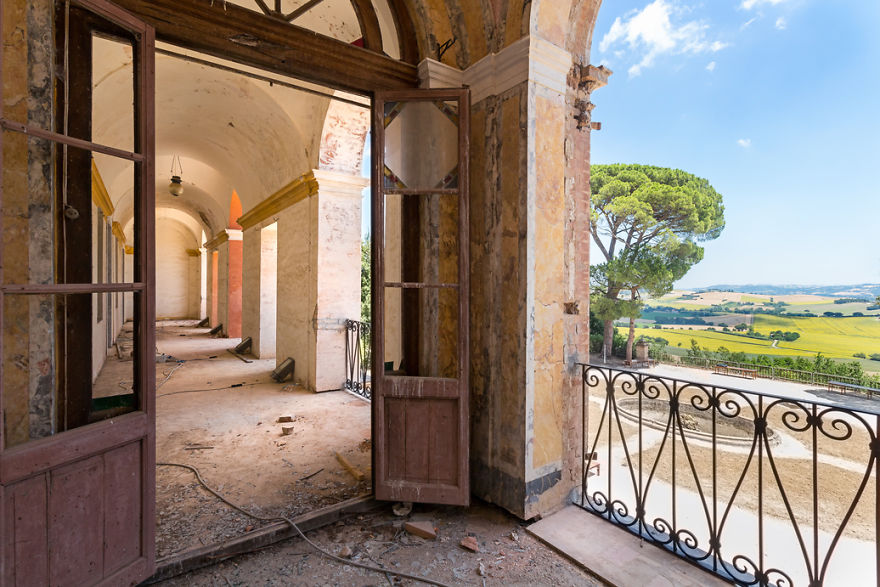 Desde la ventana se puede disfrutar de las vistas de la Toscana