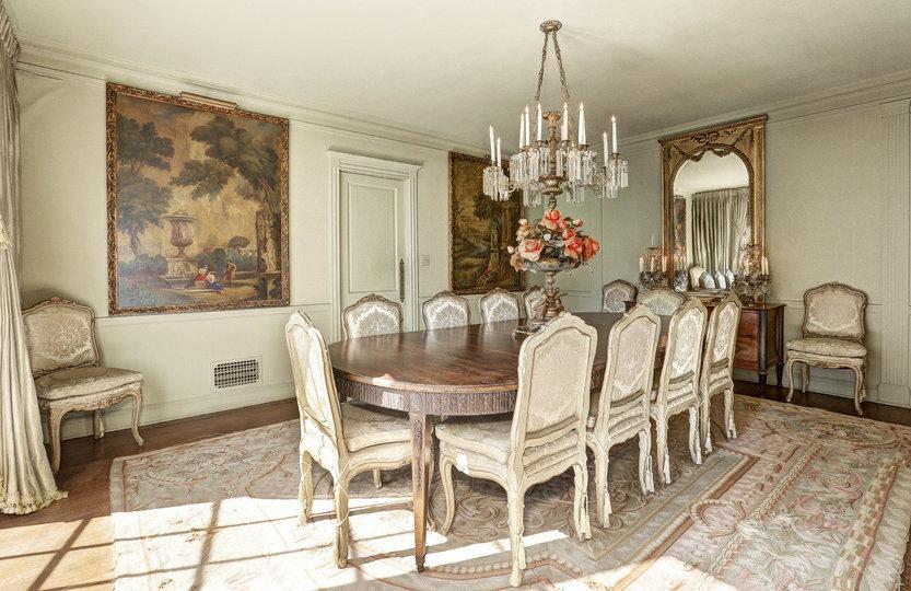 La casa cuenta con 571 m2 construidos, seis habitaciones y cinco baños / Coldwell Banker Residential Brokerage