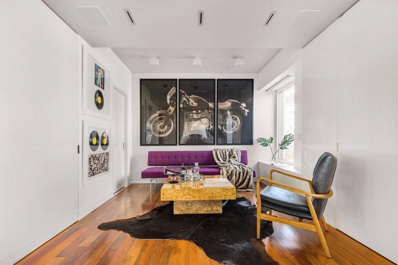 Sala de estar / Douglas Elliman