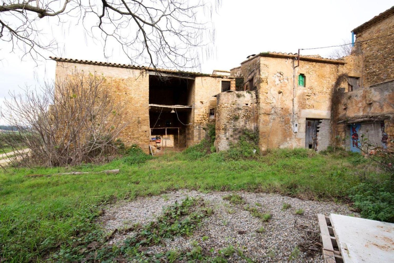 Está ubicado en Girona