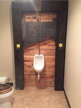 ¿Qué habrá en el otro lado? / Toilets With Threatening Auras