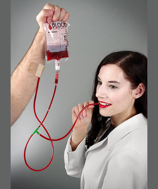 Bebida energética que emula a la sangre / JotForm