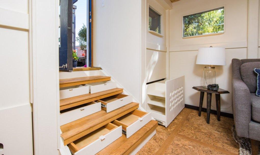 Por 327.000 euros puedes comprar esta acogedora casa-barco ...