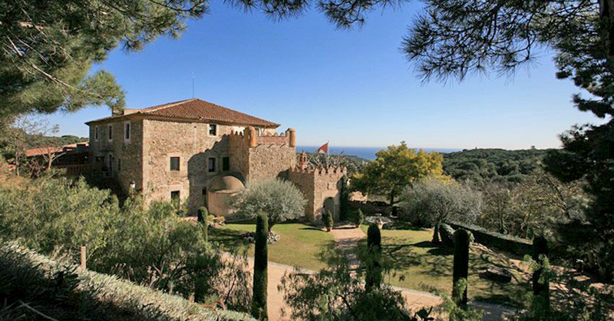 Castillo en Montalnou (Barcelona)