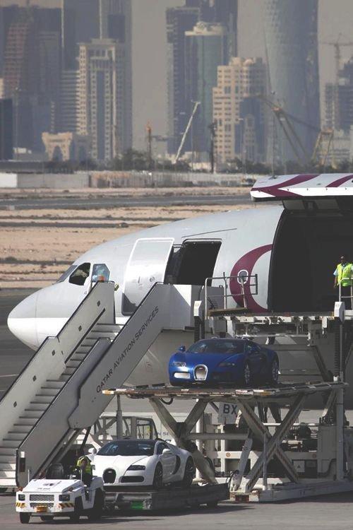 Algunos aviones árabes tienen garaje / Scoop Whoop