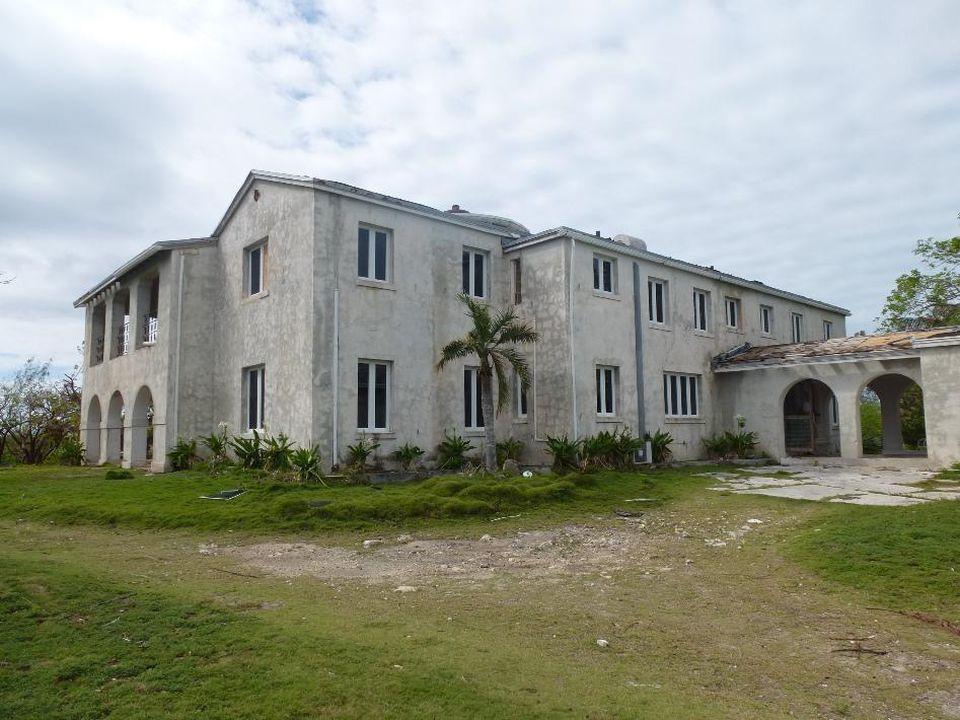 La 'Gran casa' / 7TH HEAVEN PROPERTIES