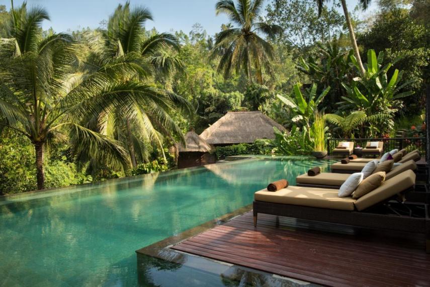Piscina del hotel / Hanging Gardens of Bali