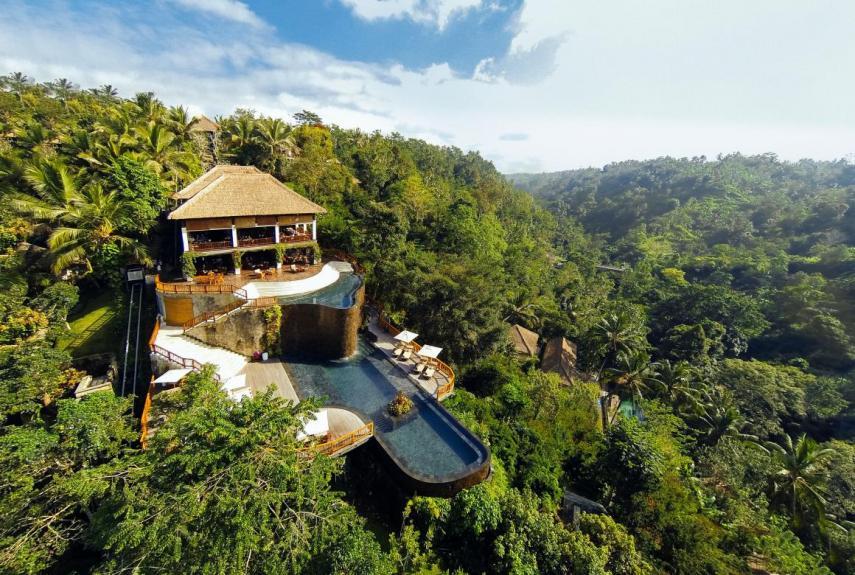 Vista desde el aire / Hanging Gardens of Bali