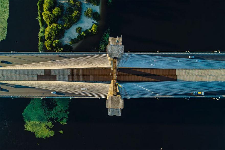 Un nuevo puente en Ucrania / Maxwebb