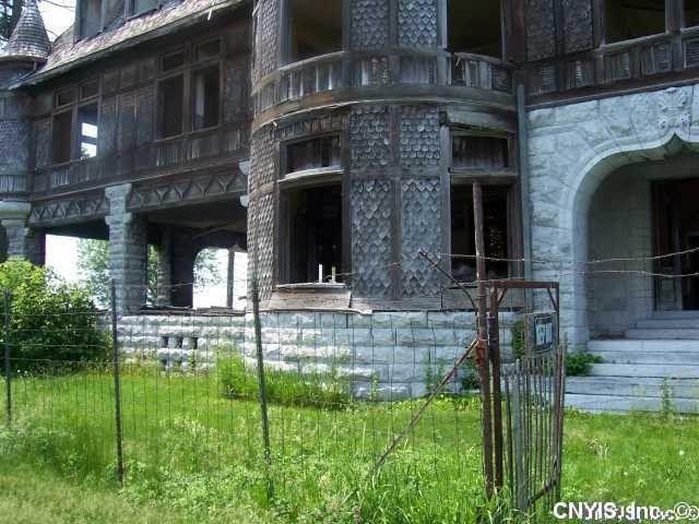 Carleton Villa