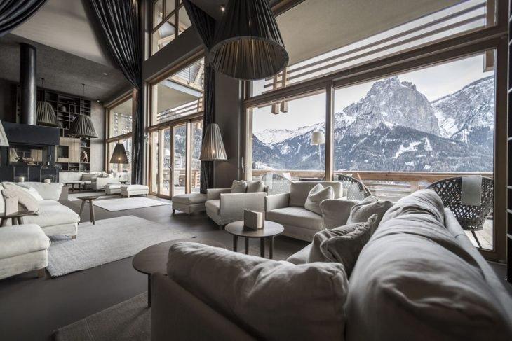 Salón en los Dolomitos