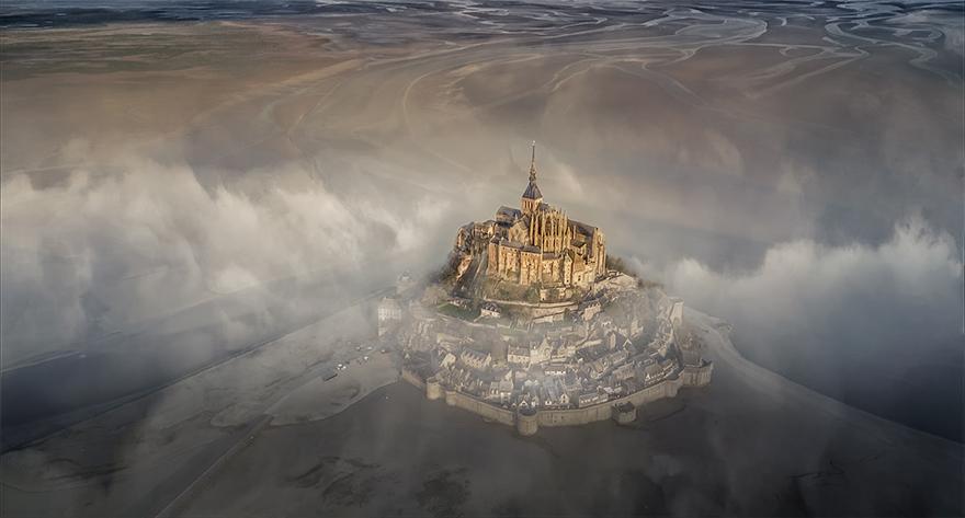 """""""Mont Saint Michel"""" / SkyPixel"""