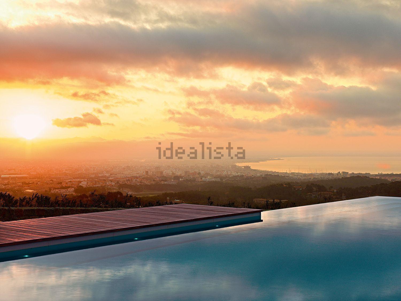 Las vistas son impresionantes desde la piscina infinita