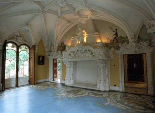 Interior del palacio / Col2
