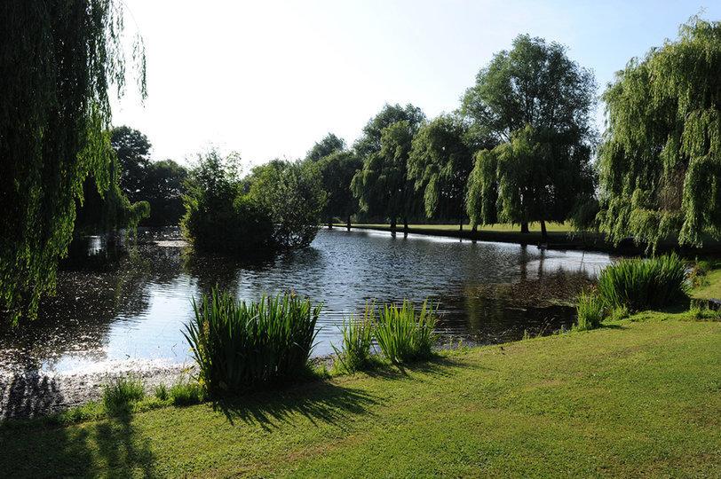 Un lago / Savills
