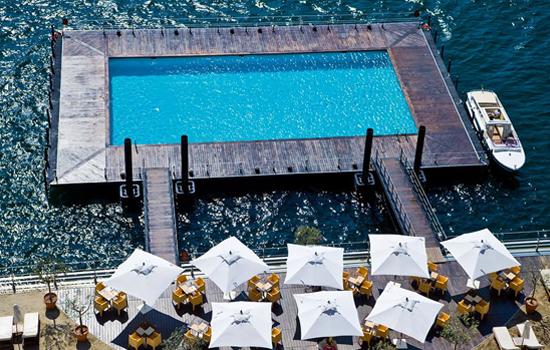 Piscina flotante, Lago de Como, Italia