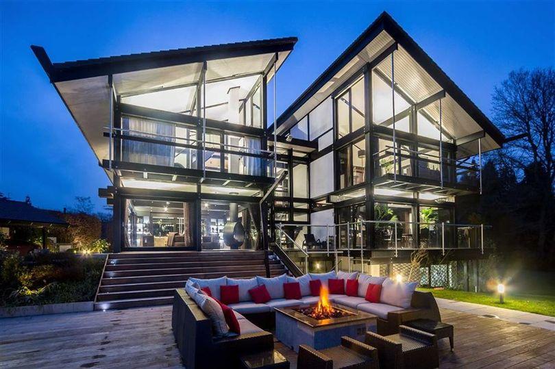 La vivienda le costó a Antonio Banderas 2,8 millones de euros / Huf Haus