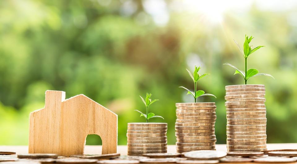 Cada familia tiene un motivo para buscar una casa más pequeña