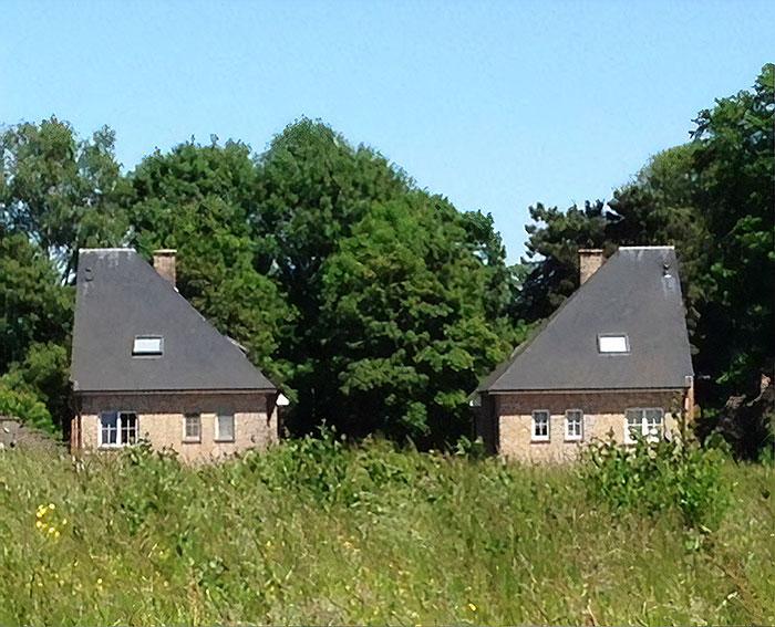 Alguien se llevado la mitad de la casa / Ugly Belgian Houses