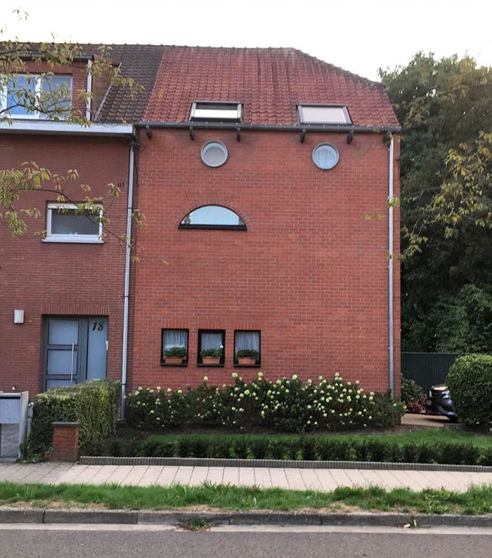 Esta vivienda está triste / Ugly Belgian Houses