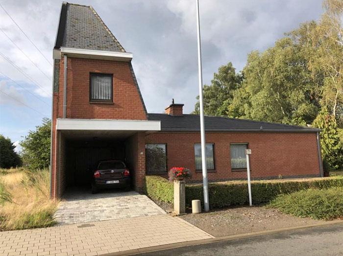 Alguien se llevo el tejado / Ugly Belgian Houses