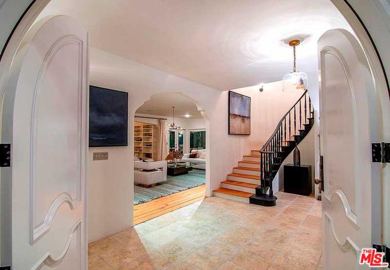 La mansión es de estilo español / Realtor