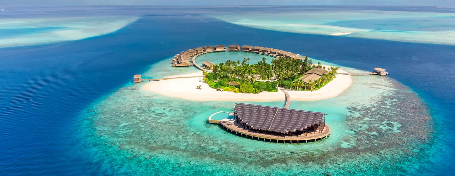 Es un hotel sostenible en Maldivas / KUDADOO MALDIVES