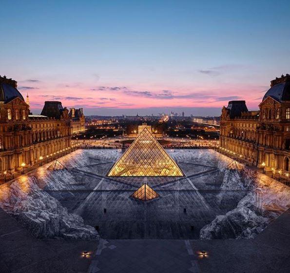 Se trata de una ilusión óptica que hace desaparecer la pirámide en un abismo subterráneo / JR