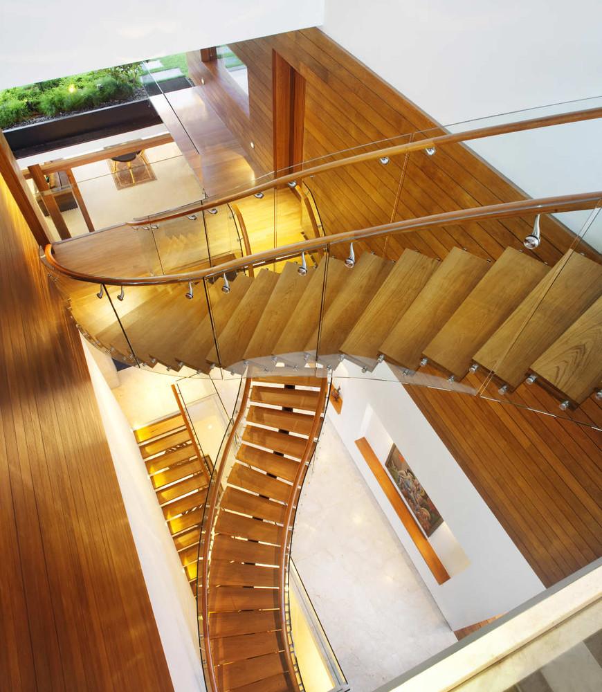 Escaleras infinitas / Patrick Bingham Hall