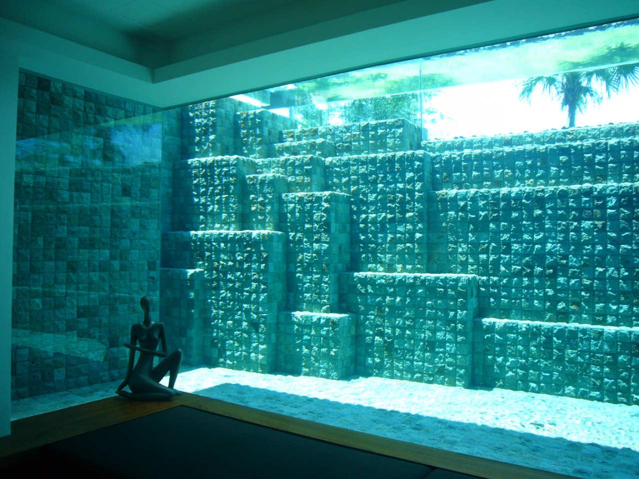 Detalle de la decoración de la piscina / Patrick Bingham Hall