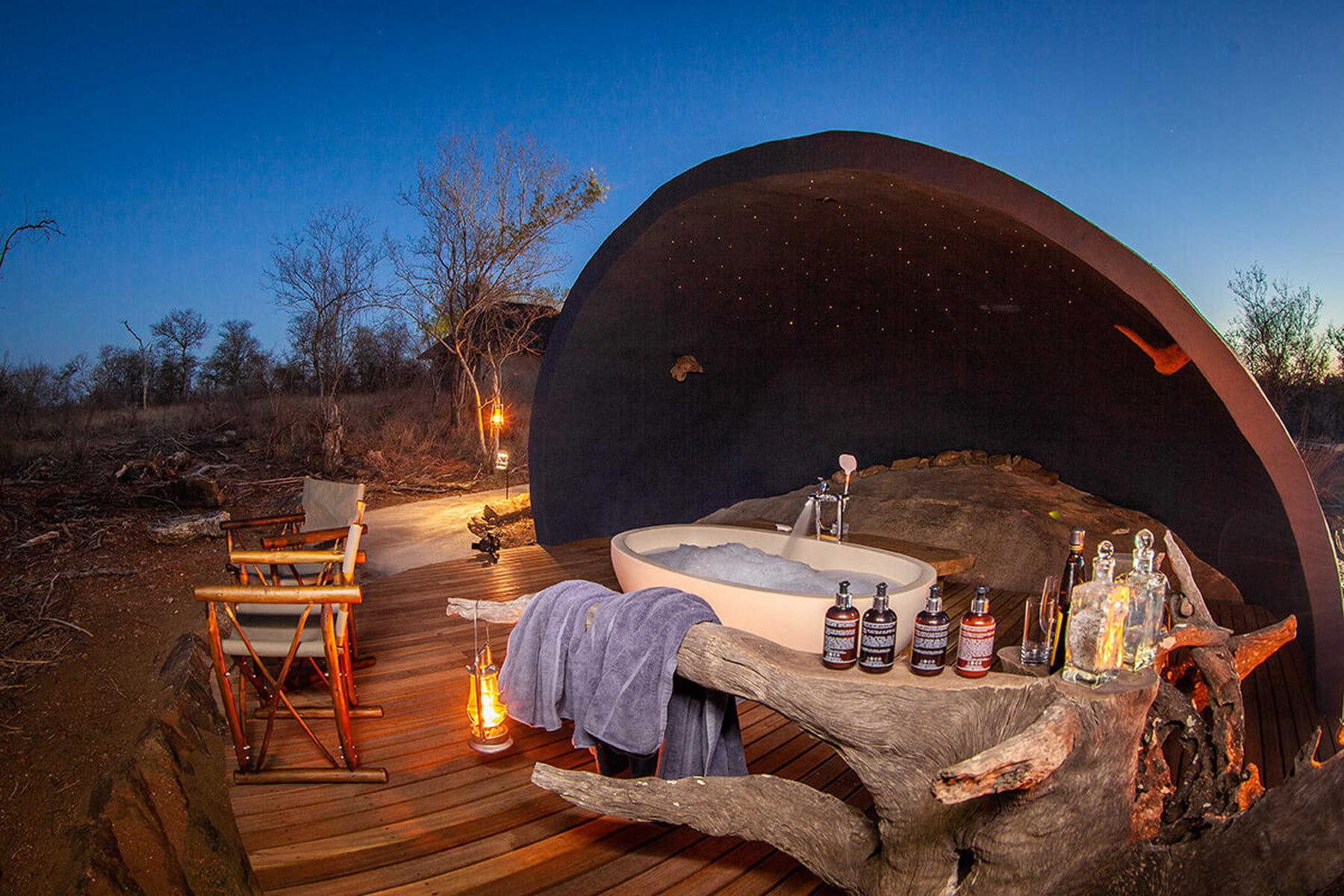 Darse un baño bajo las estrellas  / Garonga Safari Camp