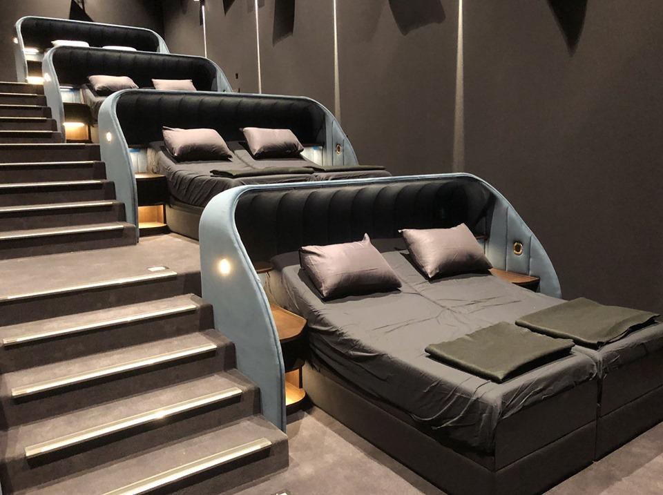 Las sábanas se cambian cada película / Pathé Schweiz