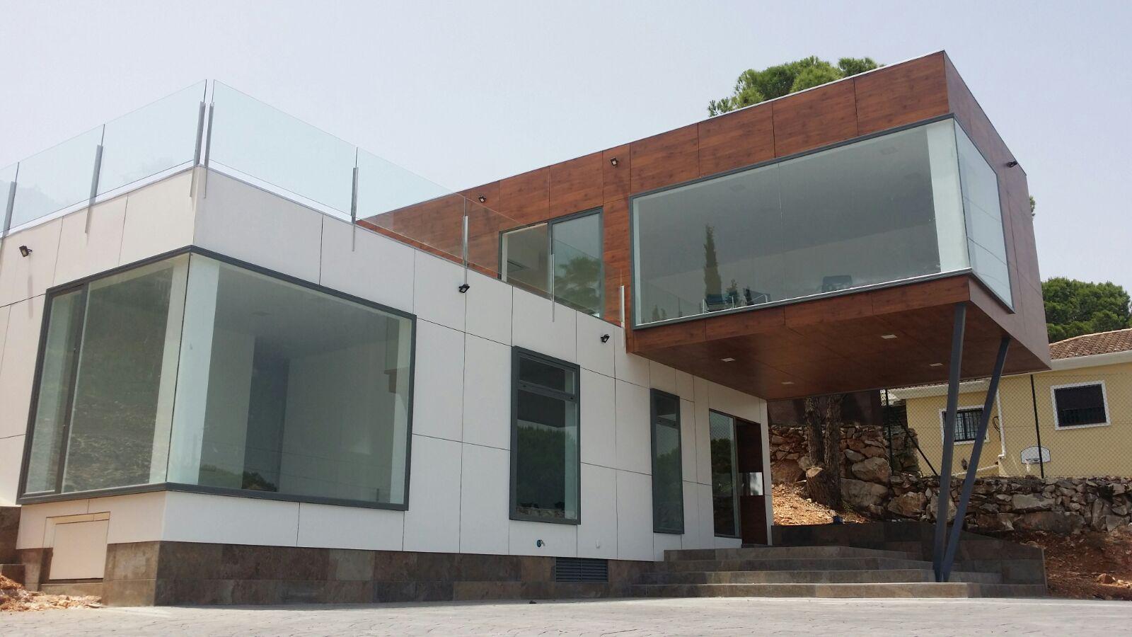 El precio medio de una casa construida con contenedores marítimos es de 600 euros/m2