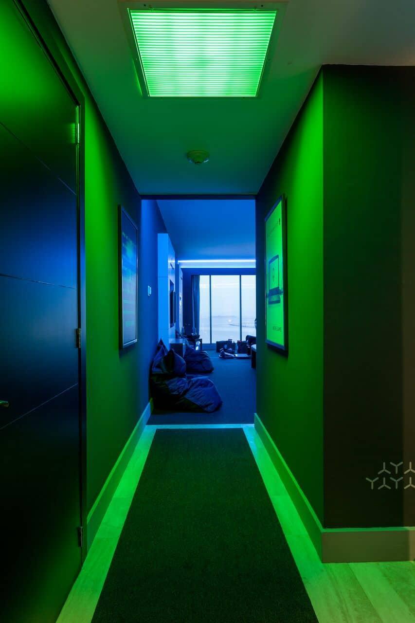 Toda la iluminación es inteligente para crear una mejor experiencia de juego / Alienware