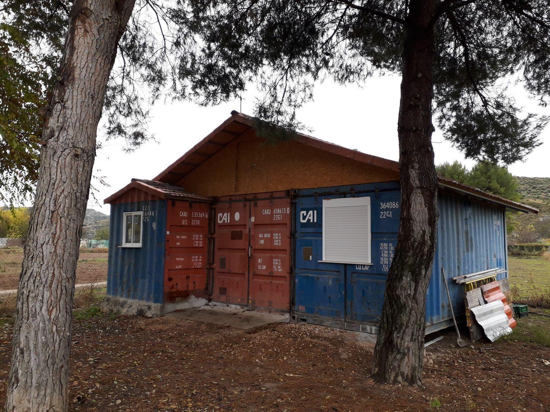 Terreno con contenedor marítimo a modo de casa en venta en idealista